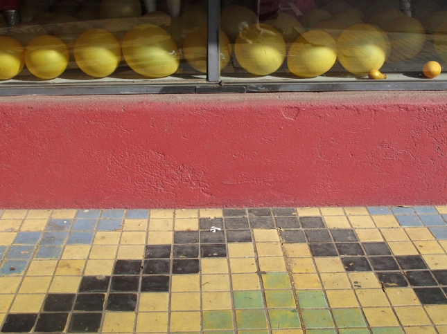 Yellow balloons on La Brea