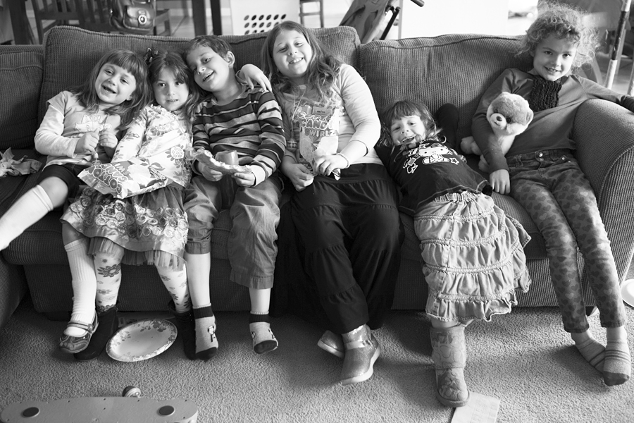 kIds at birthday party phoenix , copyright Diana Koenigsberg 201